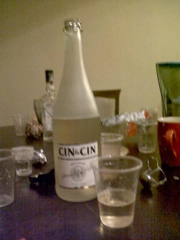 Una bottiglia di Cin Cin