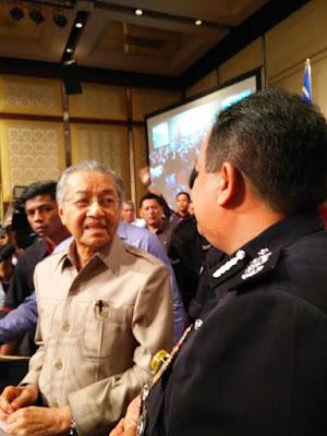 dialog PM bersama NGO