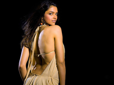 Deepika Padukone looking hot in backless Saree photo