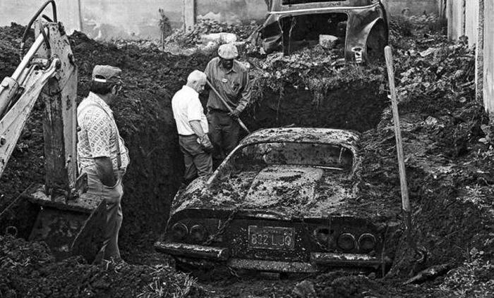 Buried Ferari Found by Kids