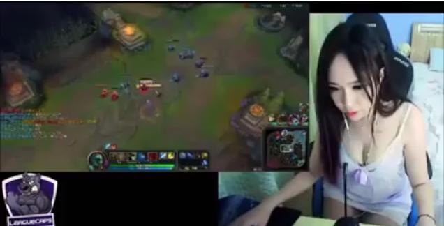 Waw Ada Gamers Cantik Dari Cina, Tapi Suaranya Mirip...