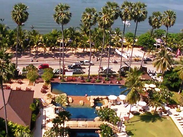 Pattaya jomtien palm beach swimming pool - Palm beach swimming pool ...