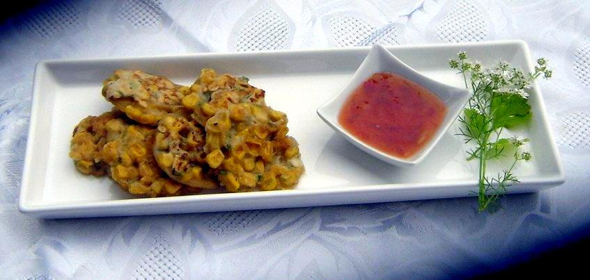 Thai Sweetcorn Fritters with Sweet Chilli Sauce - Love At ...