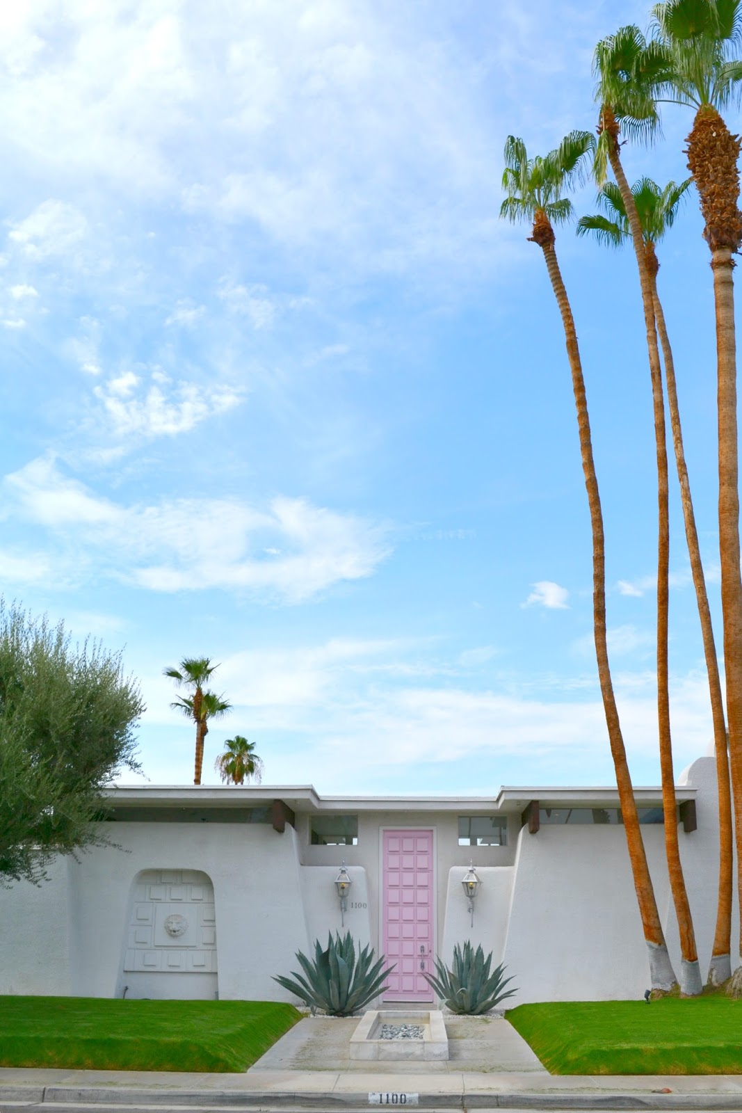 This door is Instagram famous! I mean if you go to Palm Springs and don\u0027t take a photo of it...it\u0027s like you didn\u0027t even go ;) but really. & That Pink Door The Parker \u0026 Must See\u0027s in Palm Springs | Jess ...