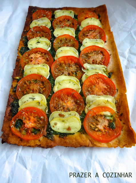 prazer a cozinhar - arte extrafina de queijo de cabra com pesto de espinafres e tomilho