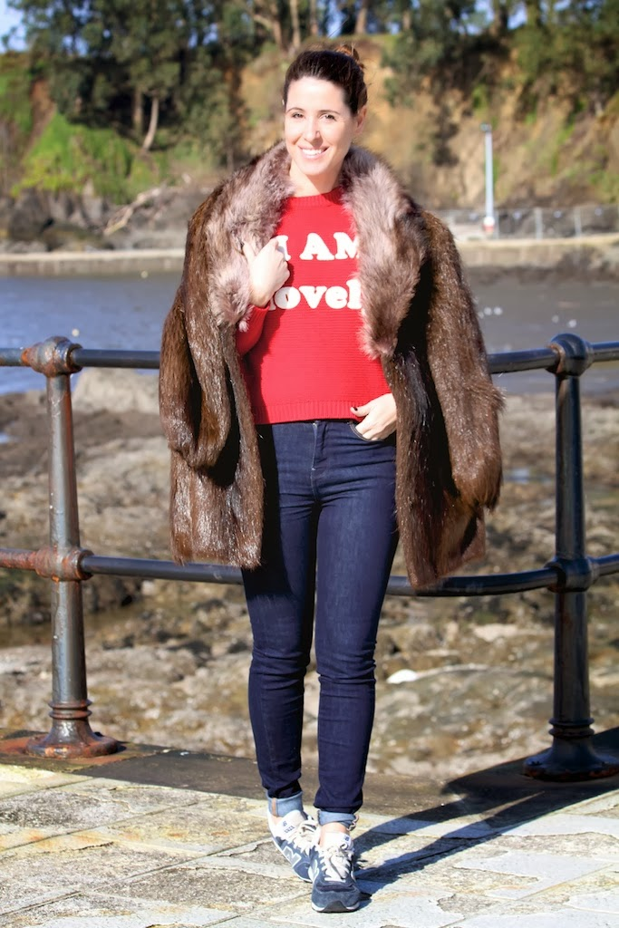 fur coat-50329-descalzaporelparque