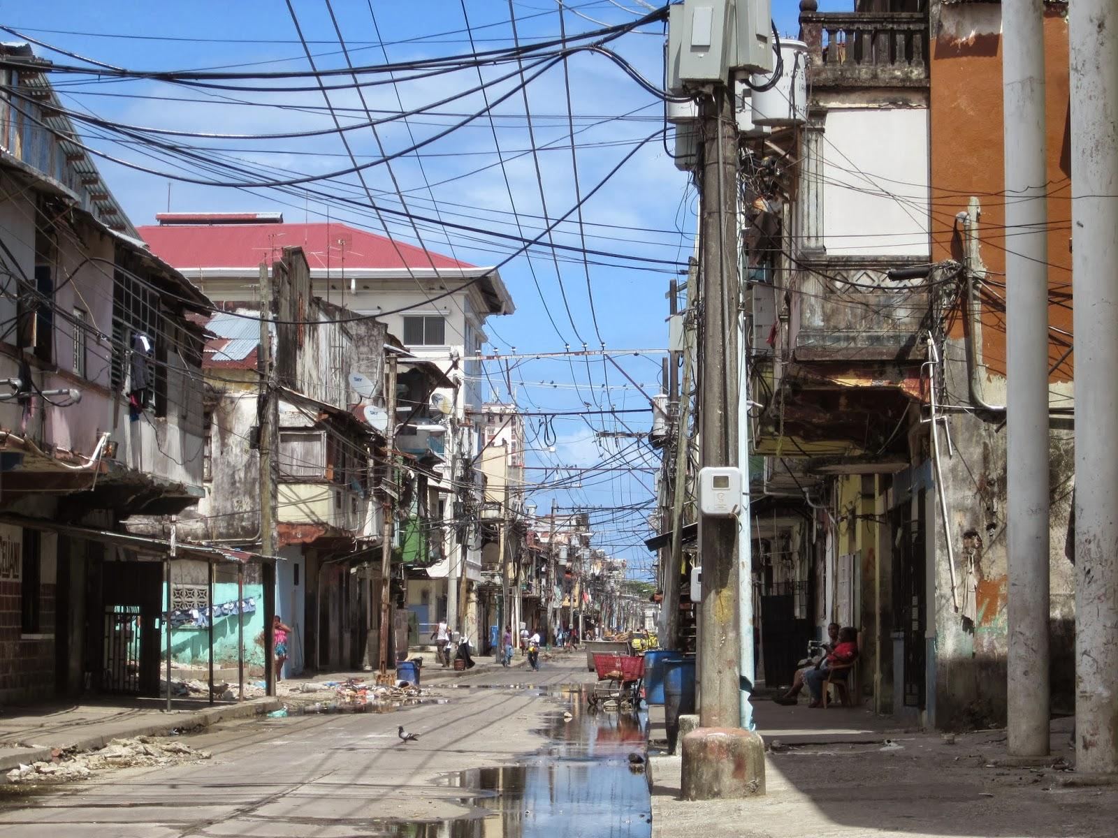 Colon Panama  city photos gallery : Viajando en Auto: Colón, Panamá