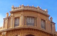 Edificio Esquina Raval Santa Anna - Plaça Catalunya