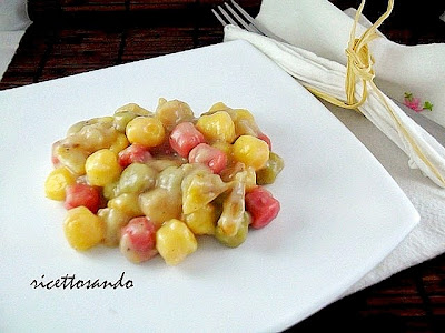 ricetta di Gnocchetti tricolore pere e zola