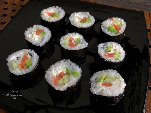 Smoked salmon and avocadosushi