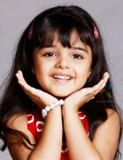 Aapki Antara Alias AAINA berperan sebagai Anak Sakuntala
