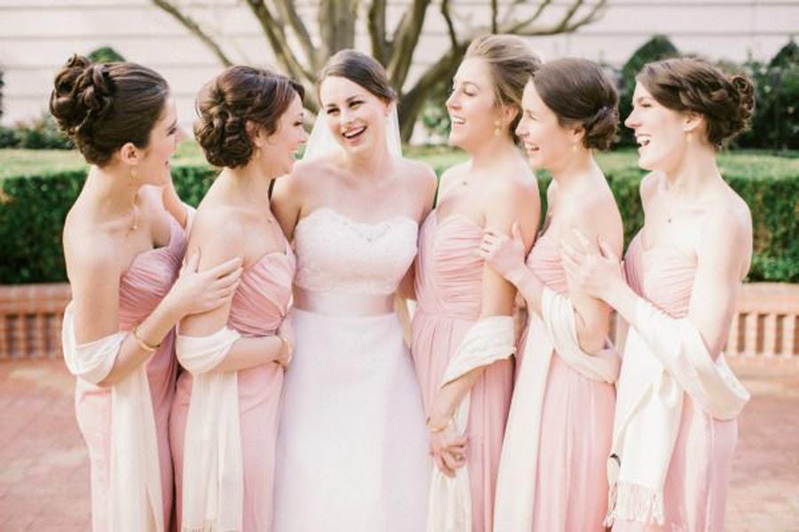結婚網頁提供結緍花球、結婚吉日、婚紗攝影、結婚酒席、結婚歌、結婚戒指