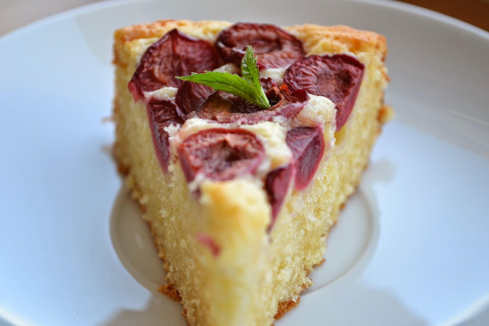 Tvarohový koláč s čerešňami.