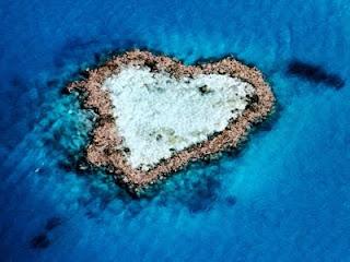 Isla-corazon-pulau-berbentuk-hati