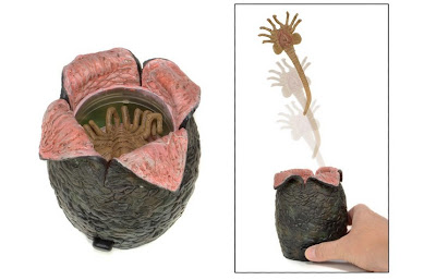 NECA Aliens Egg with Launching Face Hugger