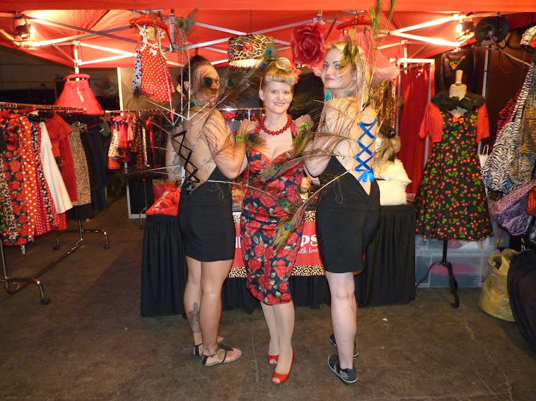 red rose wiggle dress