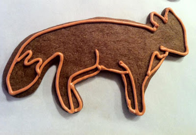 Fox cookie with piped outline