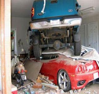 Como estacionar dois carros numa garagem