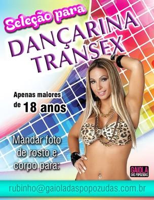 Valesca Popozuda e o cartaz que ela divulgou (Foto: Divulgação)
