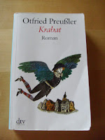 http://www.amazon.de/Krabat-Roman-Otfried-Preu%C3%9Fler/dp/3423252812/ref=sr_1_1?s=books&ie=UTF8&qid=1434378129&sr=1-1&keywords=krabat