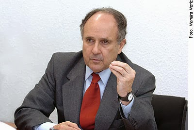 Senador Cristovam Buarque, demarca possível apoio a candidatura de Eduardo Campos a presidência
