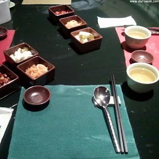 Servicio de mesa de restaurante chino de alto nivel