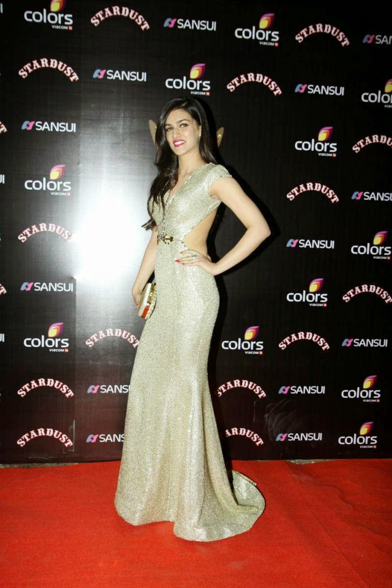 Kriti Sanon Hot at Sansui Stardust Awards Colours