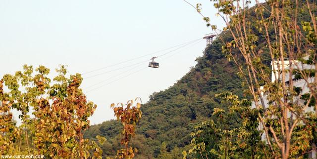 Teleférico de subida a la montaña Namsan de Seúl