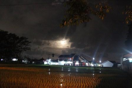 Bulan Kerinduan