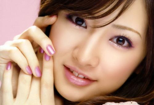 make up natural agar cantik alami