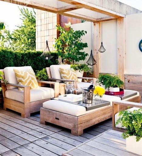 desain foto dan gambar model taman dan teras outdoor di belakang rumah terbaru