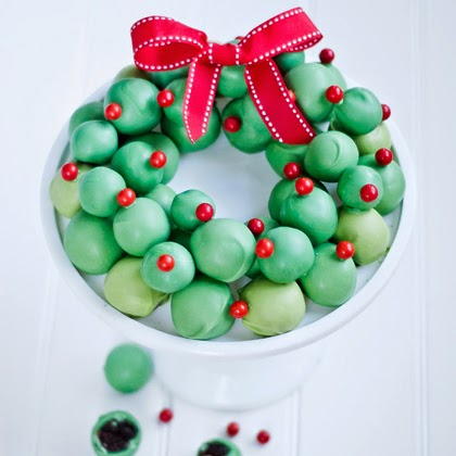 OREO Cookie Balls Wreath Tutorial