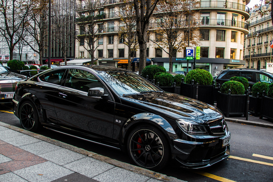 Mi casa mercedes benz c63 black edition for Mercedes benz c63 amg black edition