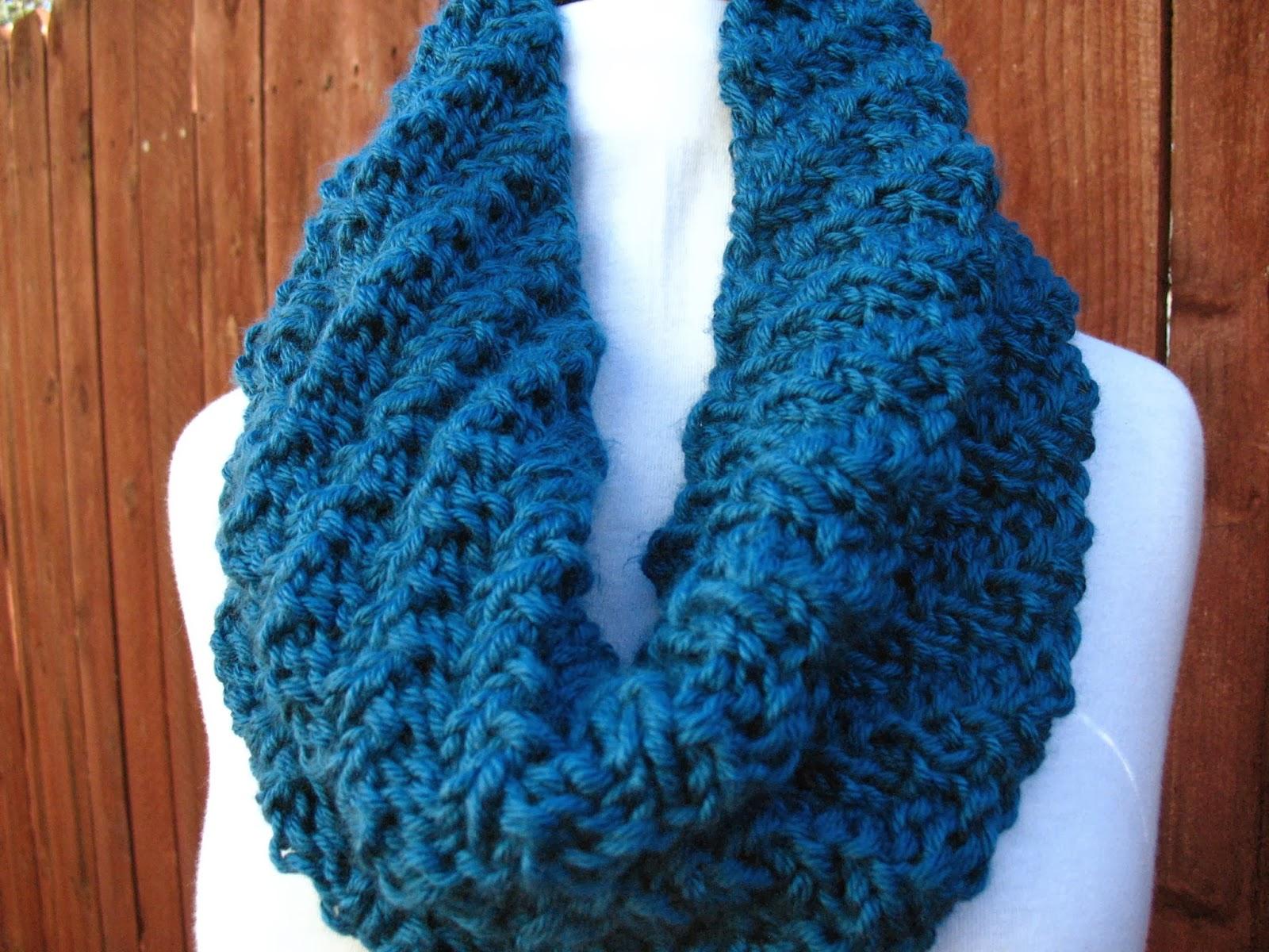 Christine Designs: Knit it Tonight Cowl