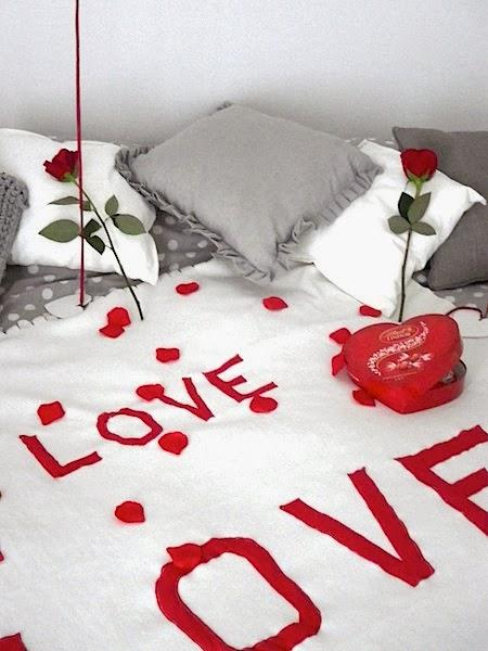tu fais quoi maman une chambre romantique pour la st valentin. Black Bedroom Furniture Sets. Home Design Ideas