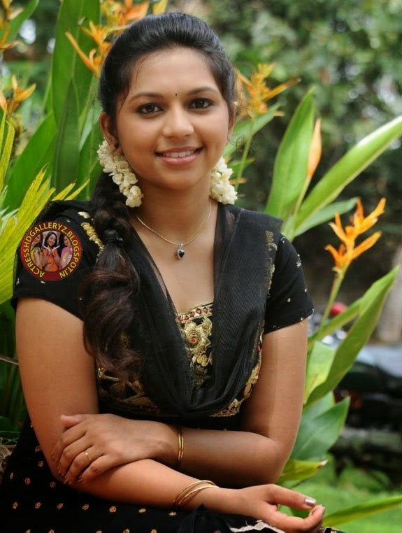 tamil heroni roobika hd images best review