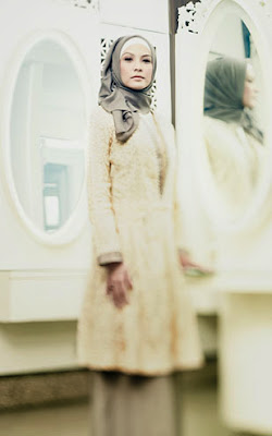 Hijab Style Arti Cantik Rachel Maryam