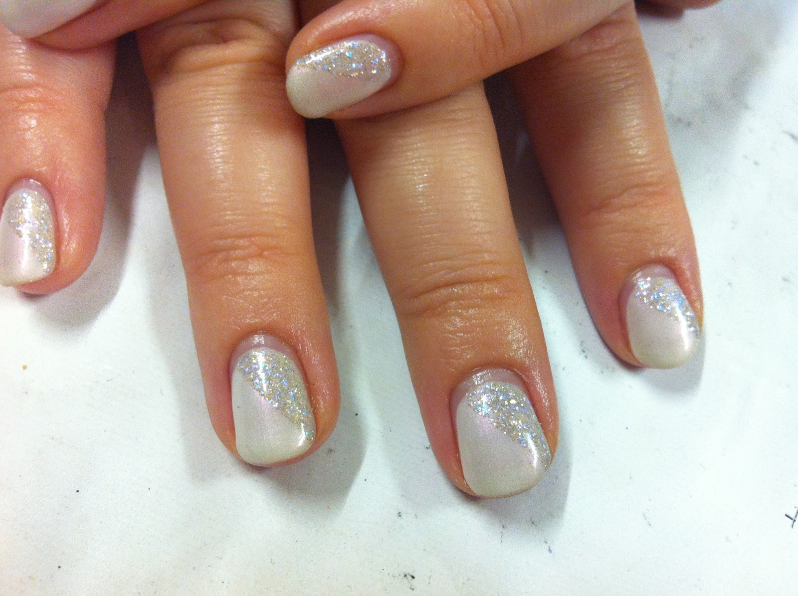 Cnd shellac christmas nail art 4 iridescent ice queen