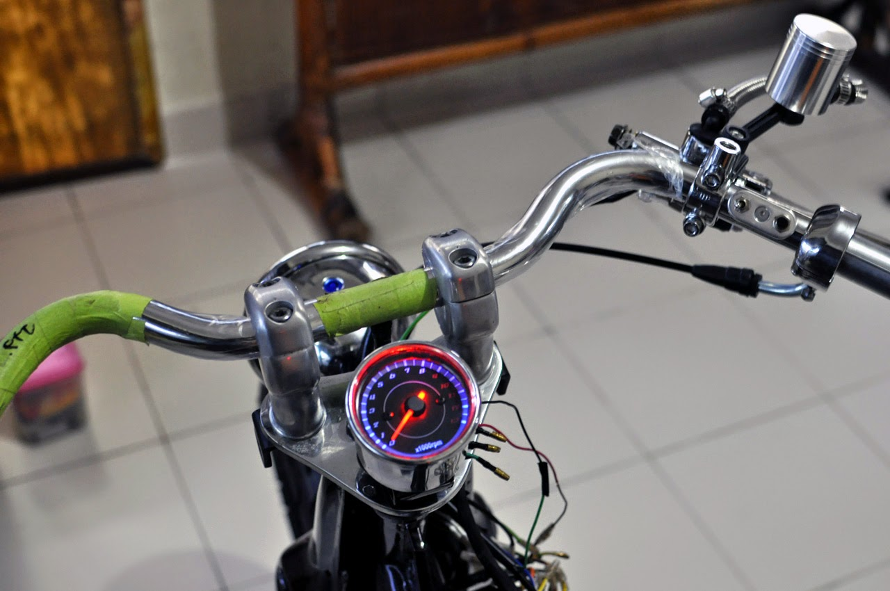 CRAZE GENUINE CUSTOM pak BY's HONDA HANDLEBAR AND SPEEDOMETER