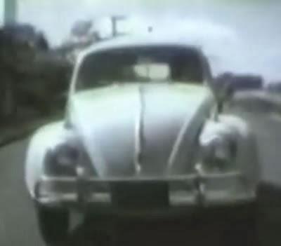 Propaganda do Fusca, nos anos 60. Um guerreiro da terra e do asfalto.