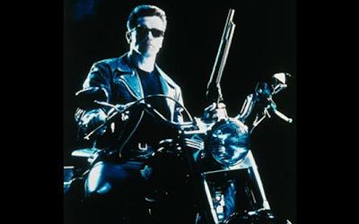 'Exterminador do Futuro 2' (1991)  Moto: Harley-Davidson