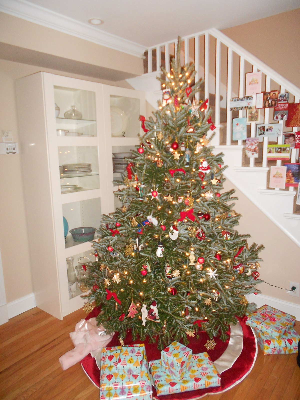 Luscious life decor 2011 we have a new red tree skirt from home goods 20 and we hung our holiday cards on our stairway here are a few photos m4hsunfo