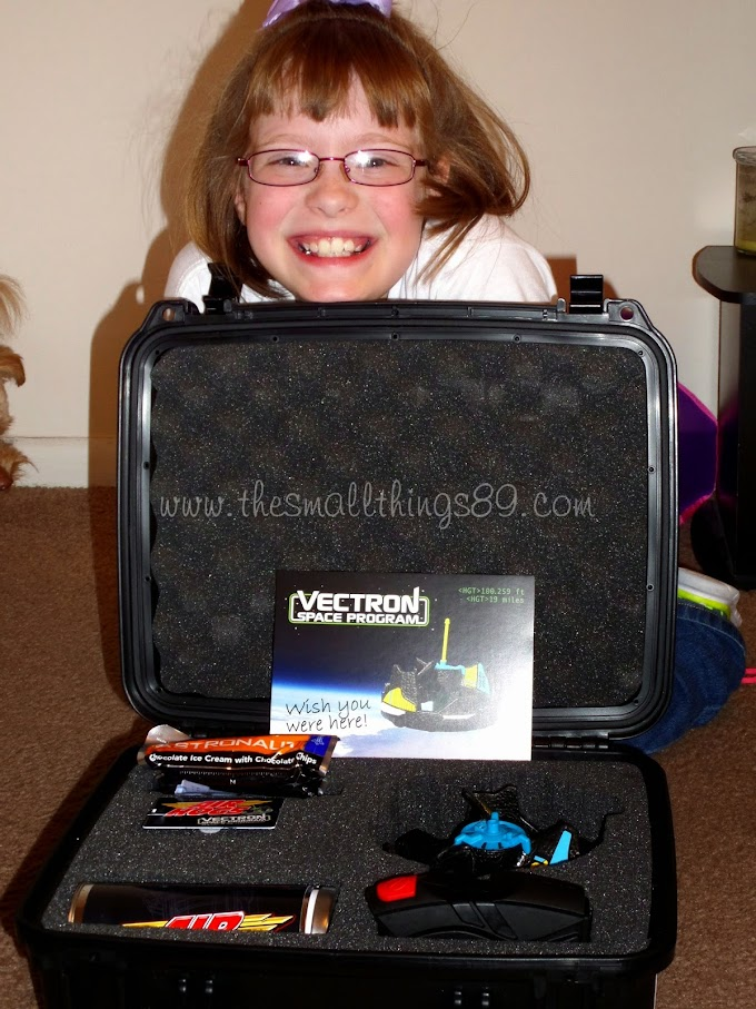Spin Master Air Hogs Vectron Wave {#Review} #VectronInSpace #DDD #Sponsored #GiftGuide2014