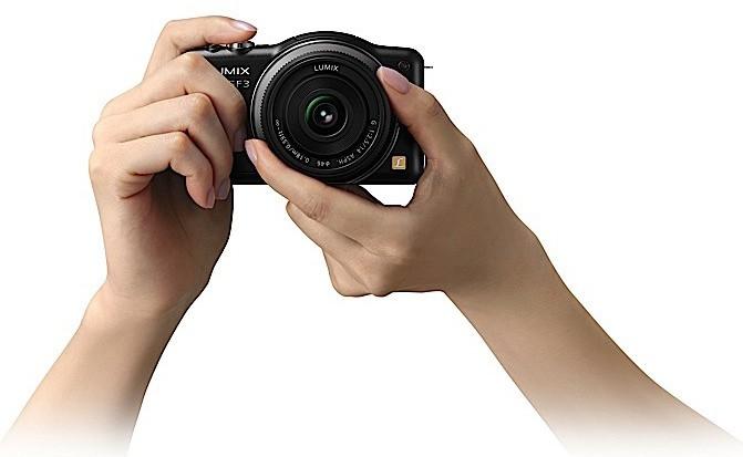 Panasonic Lumix DMC-GF3 black on hand