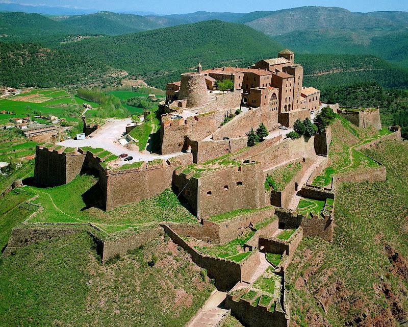 Castillos Y Fortalezas De Espa 241 A Castillo De Cardona