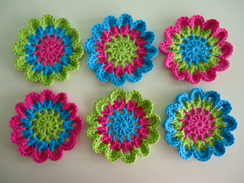 Free Crochet Pattern Japanese Flower : Dinki Dots Craft: Japanese Flower Crochet Coasters