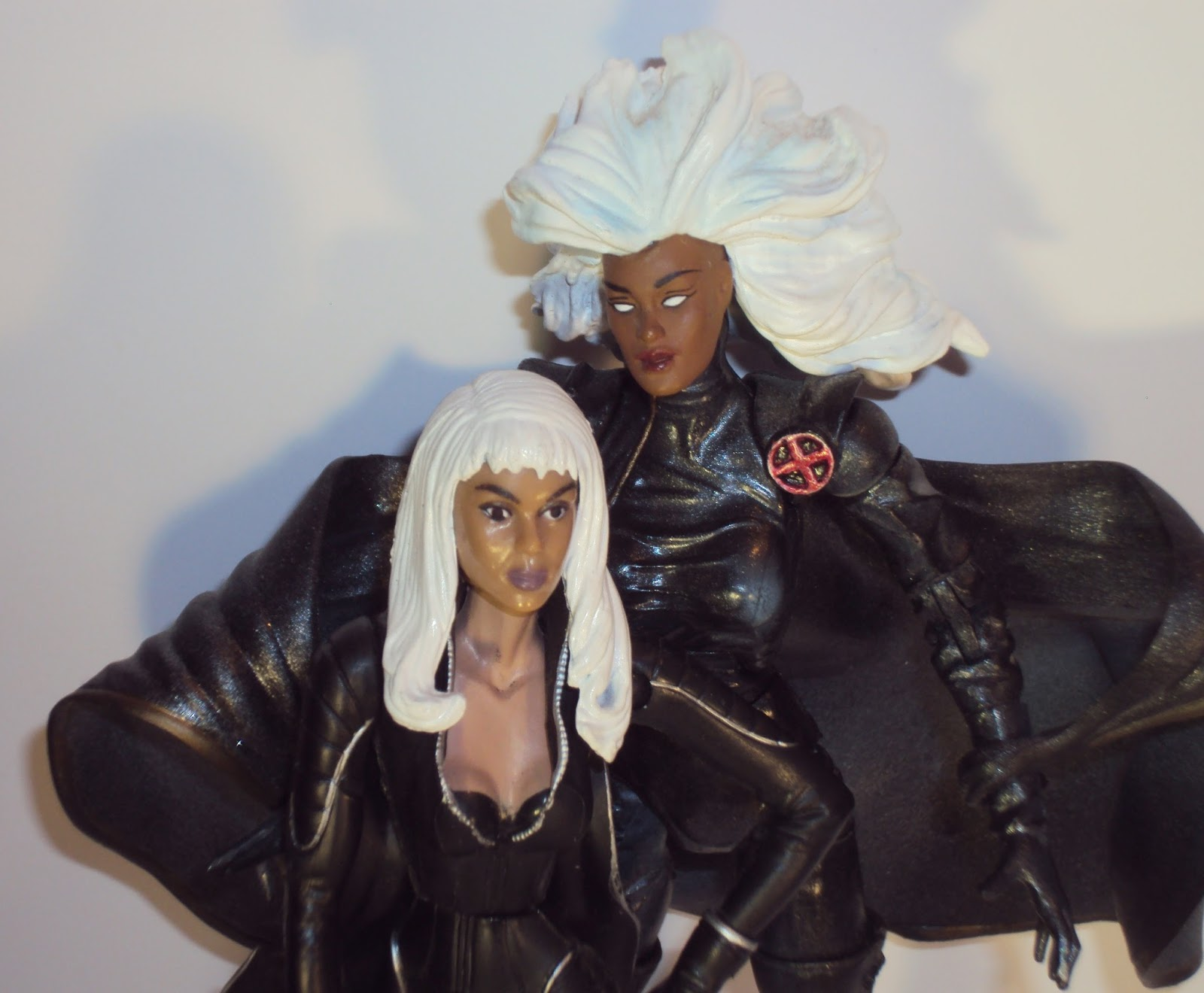 Check Out These Comparison Shots And Youll See How Different Halle Is From The Actual Storm Character