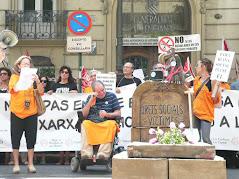 Tasas judiciales y retirada de la medicación = GENOCIDIO