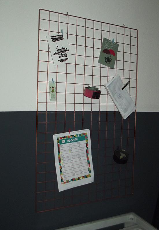 painel para sala, quadros, poster, posteres, porta cartas, tela metalica, painel, decoracao sala