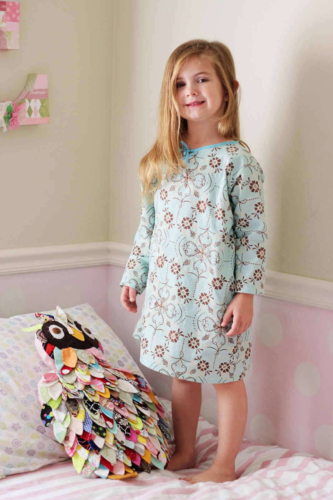 Free shipping on little girls' robes and sleepwear at distrib-ah3euse9.tk Shop nightgowns, flannel and fitted pajamas. Totally free shipping and returns.
